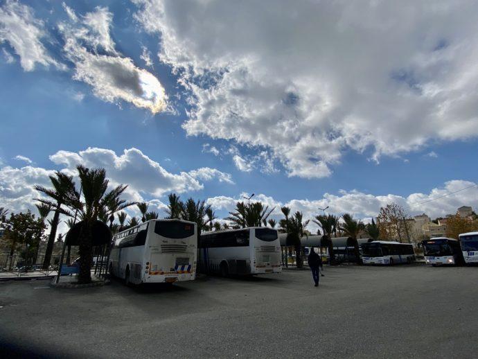 ダマスカス門付近のバスターミナル