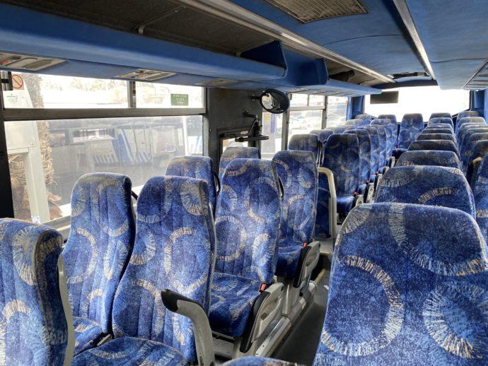 アラブバスの車内