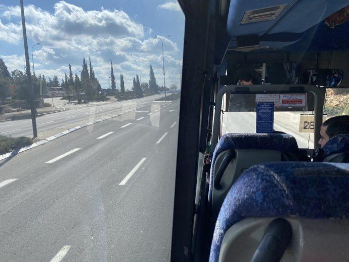 アラブバスの車窓から見える景色