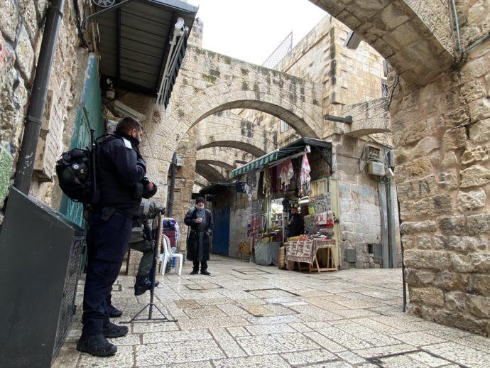 イスラエル兵が警備するエルサレム旧市街