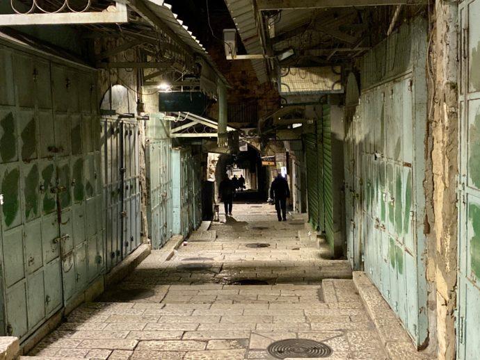 早朝のエルサレム旧市街