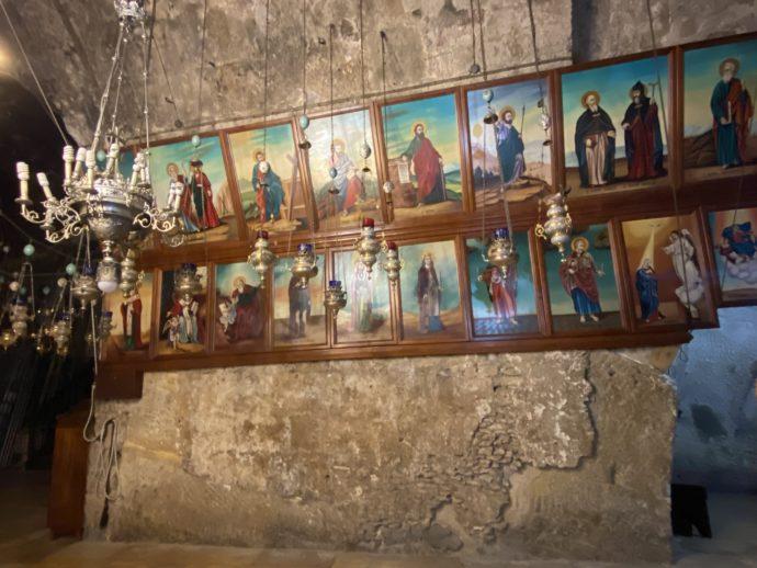 マリアの墓の教会に飾られた肖像画