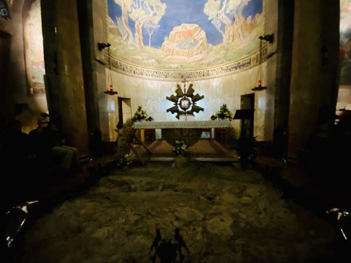 万国民の教会の内部
