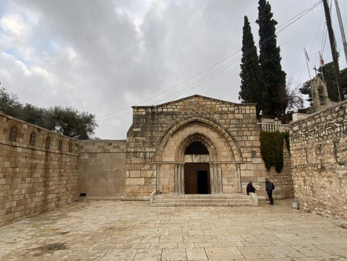 マリアの墓の教会の外観