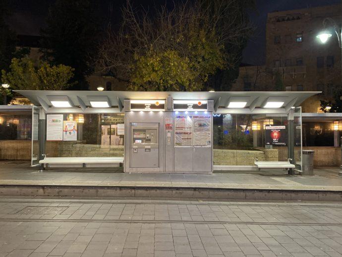路面電車LRTのCityHall駅