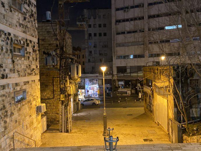 静まり返るイスラエルの街