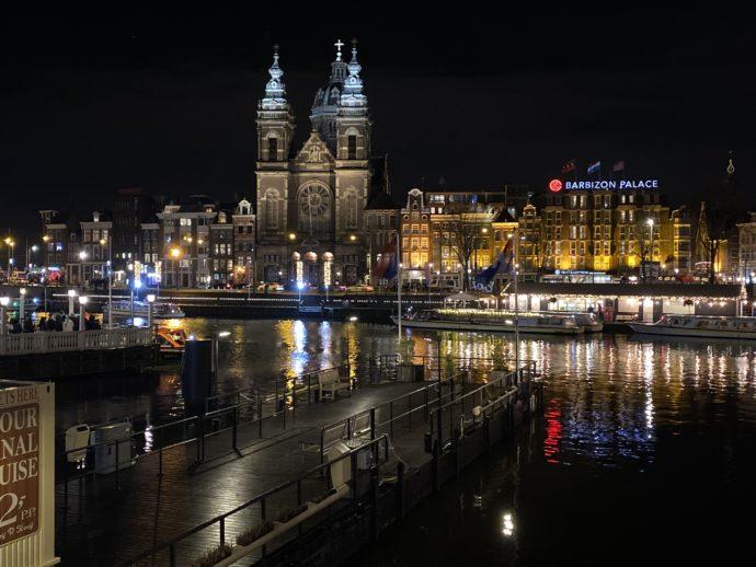アムステルダム中央駅の夜景