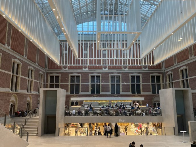 アムステルダム国立美術館のロビー