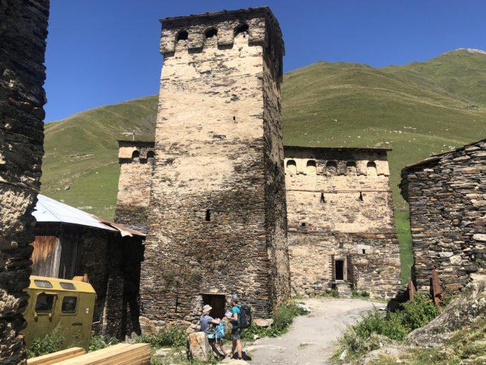 ウシュグリの村