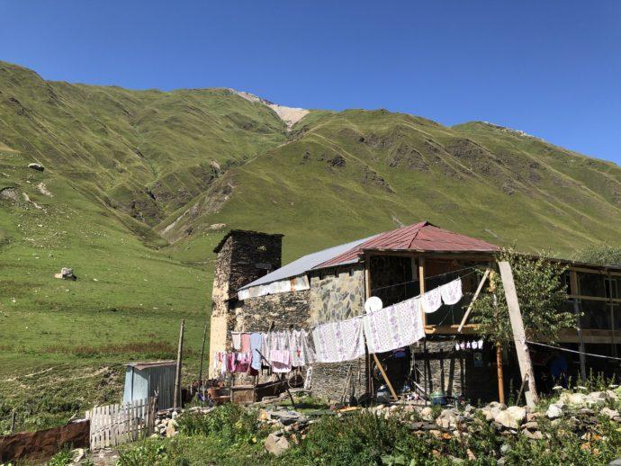 ウシュグリ村の家屋