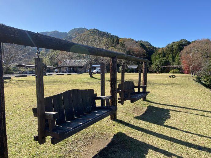 仲山城跡キャンプ場のブランコ