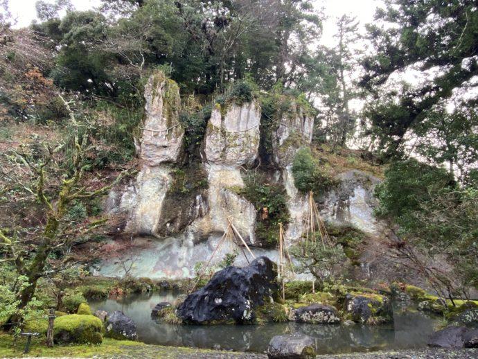 那谷寺琉美園の三尊仏