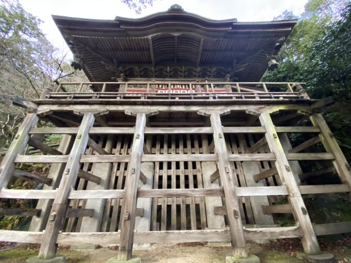 那谷寺拝殿の舞台造り