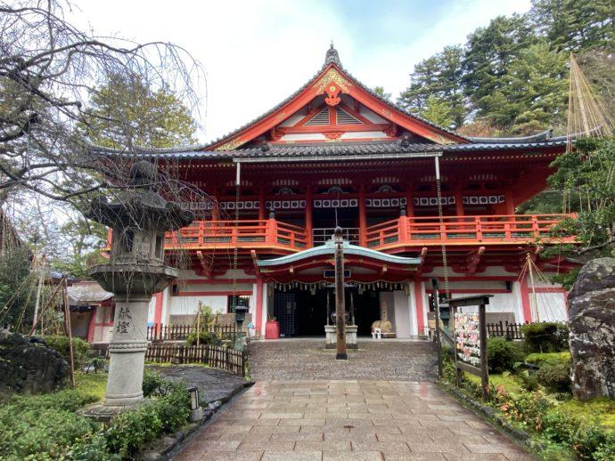 那谷寺の金堂華王殿