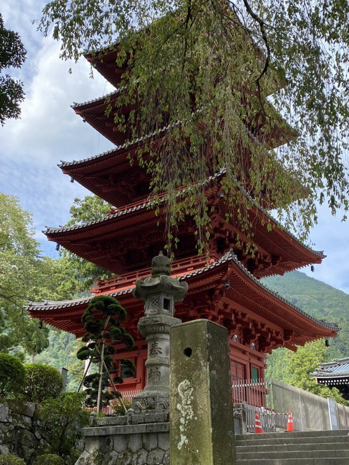 久遠寺の五重塔