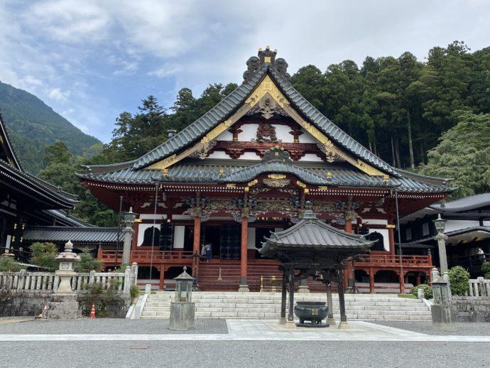久遠寺の祖師堂