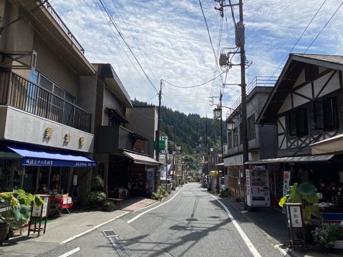 久遠寺の門前町