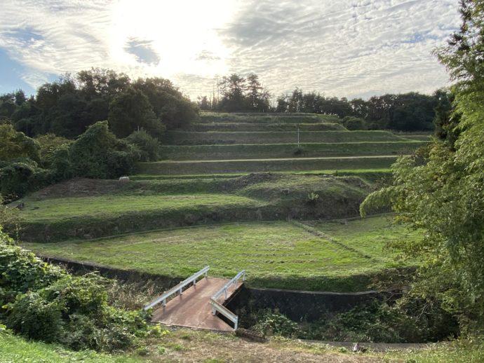 黒石寺へ向かう道沿いの段々畑