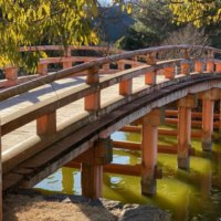 白水阿弥陀堂の赤い橋