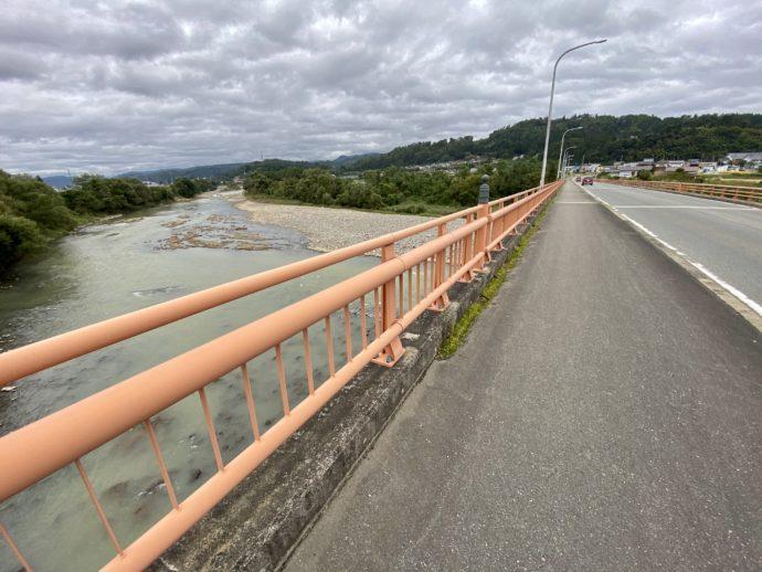 寒河江川にかかる橋