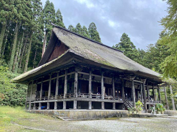 本山慈恩寺の本堂
