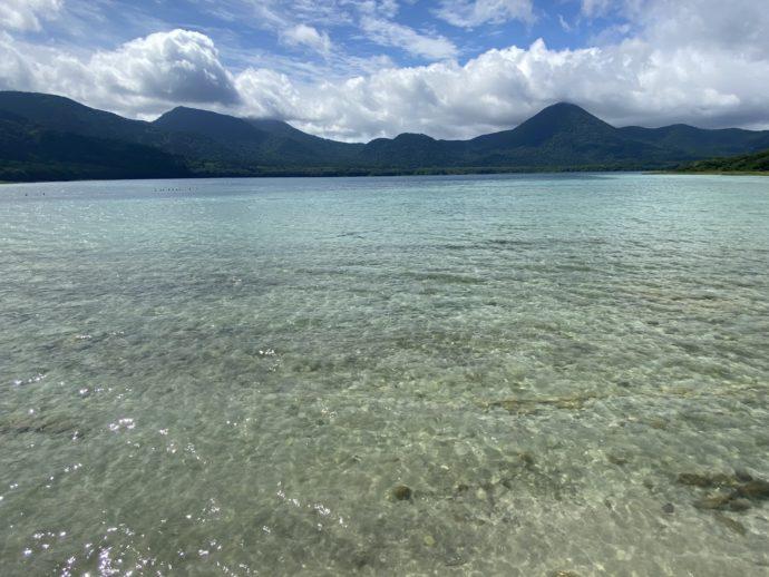 宇曽利湖の透き通るブルー