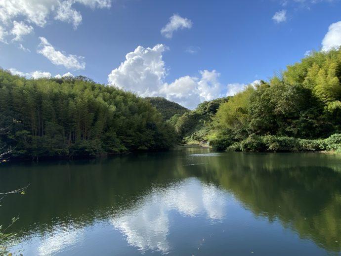 安来清水寺へ行く道の湖