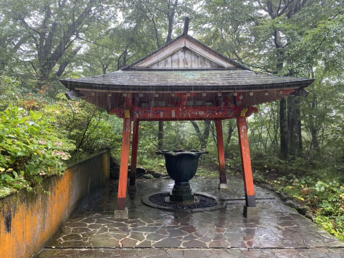 大山寺の手水鉢