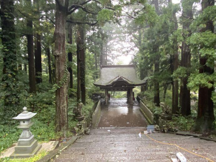 大神山神社奥宮の石段