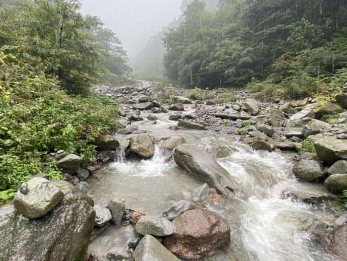 大神山神社奥宮の賽の河原