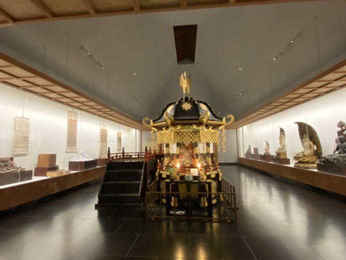 大山寺の霊宝閣