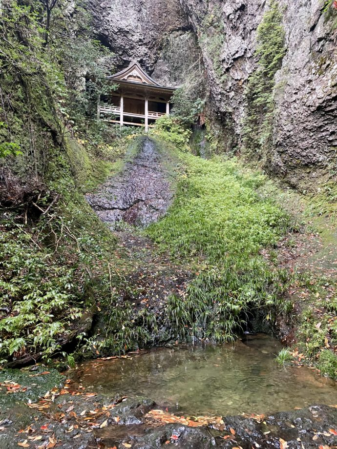 鰐淵寺の浮浪の滝