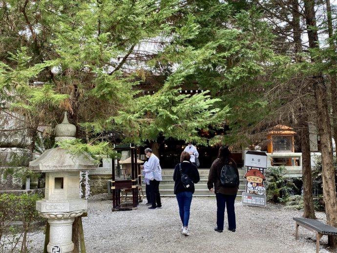 霊山寺の境内