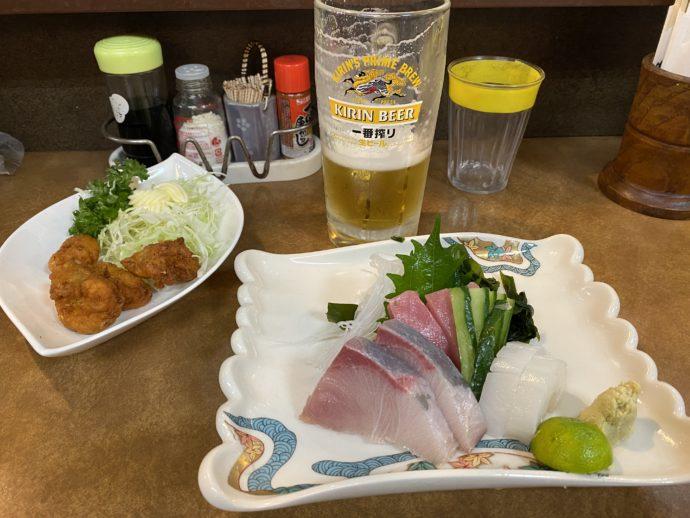 徳島居酒屋のお刺身とビール