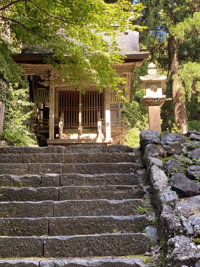 明通寺の弁天堂