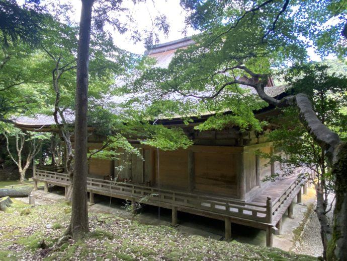 若狭神宮寺の本堂の裏