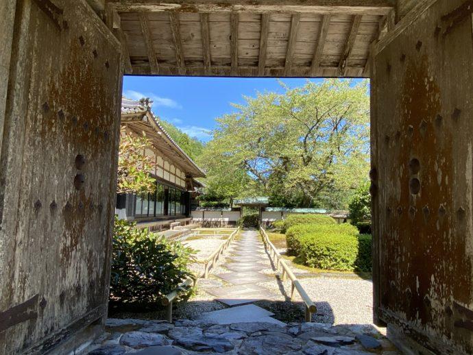 明通寺の勝手門