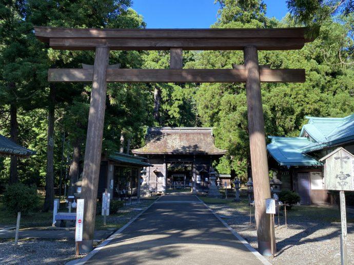 若狭彦神社の鳥居
