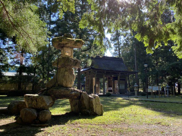若狭彦神社の境内