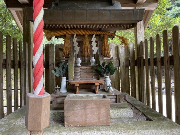 鵜の瀬の神社