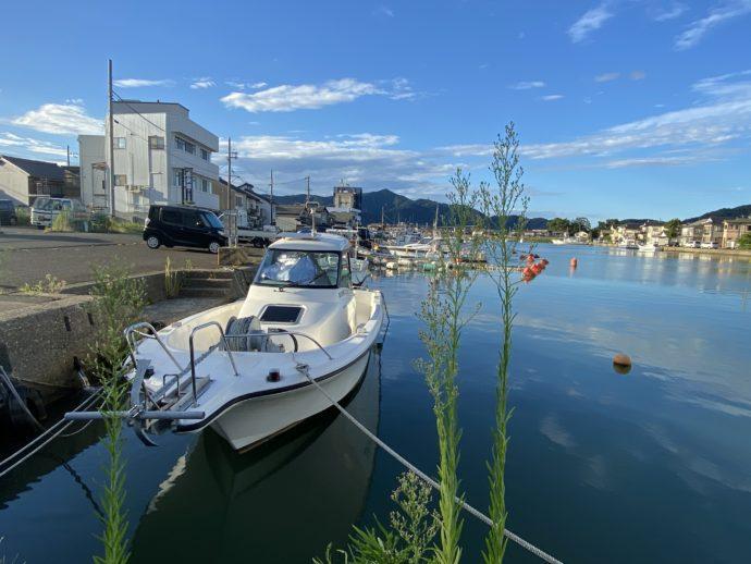 小浜の漁港