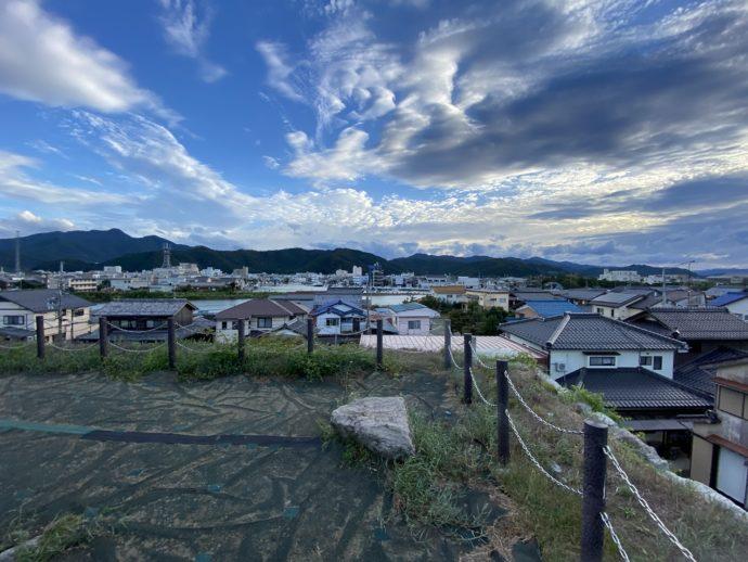 小浜城址から見下ろす街