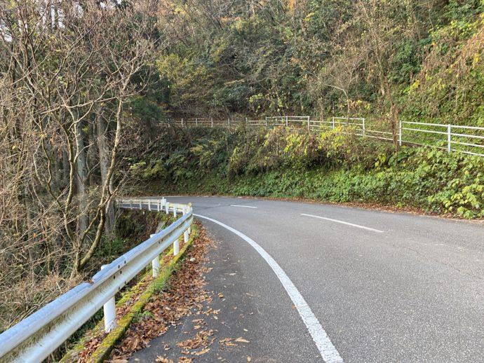 国見ヶ丘展望台からの国道