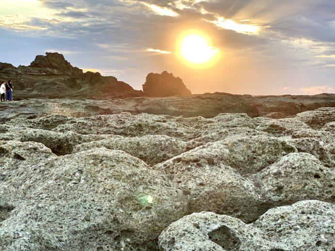 千畳敷海岸と夕陽