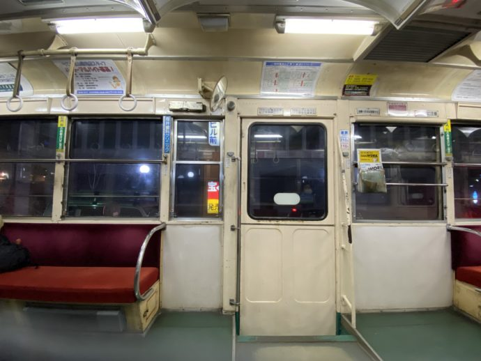 富山地鉄の車内