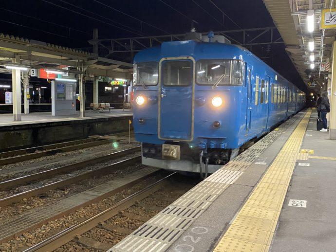 高岡駅の車両