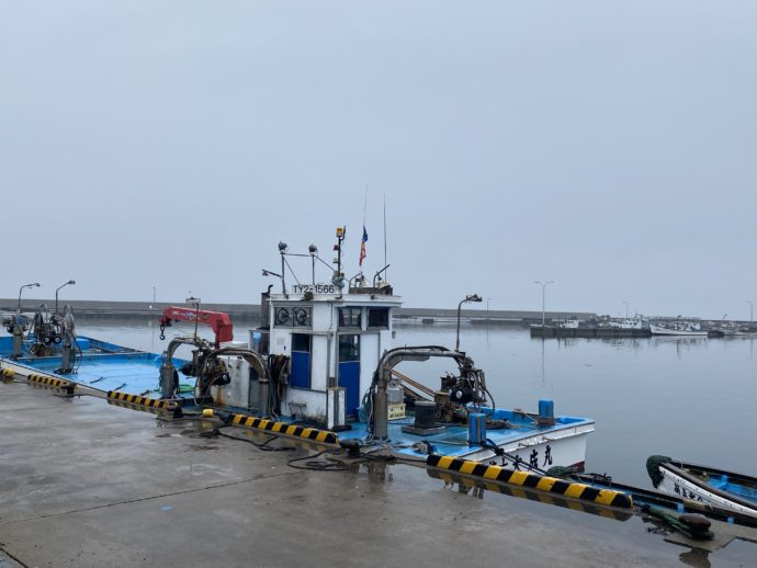 氷見漁港の船