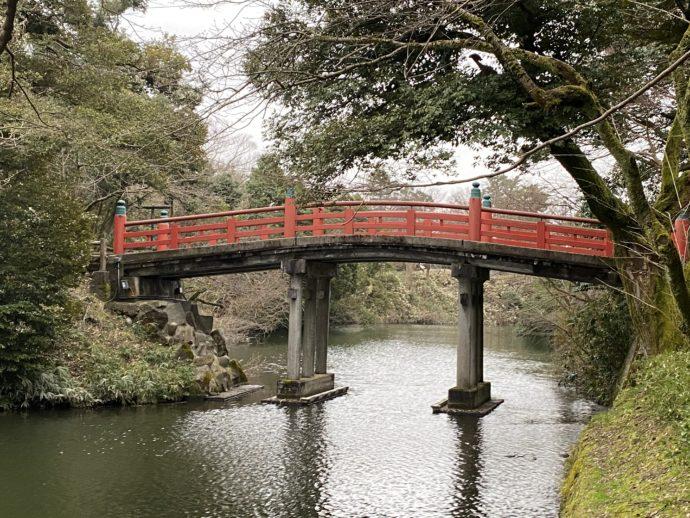 高岡古城公園の朝陽橋