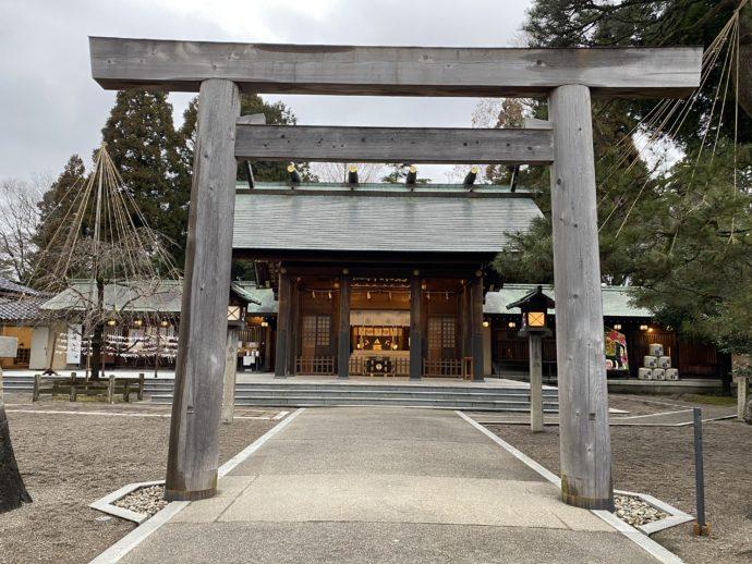 射水神社の鳥居