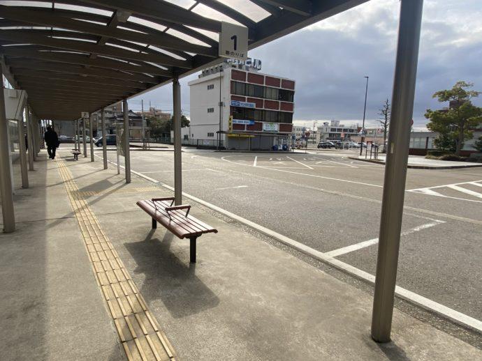 朝の高岡駅南口